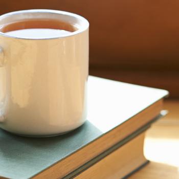 Makacs teafolt maradt a bögréden? Ezekkel a módszerekkel tüntetheted el