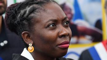 Elítéltek egy francia lapot, amiért rabszolgaként ábrázolt egy fekete bőrű képviselőnőt