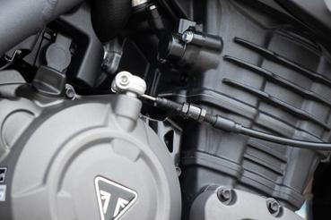 A kulungbowden kivételével nincs látható vezeték a motoron