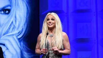 Döntött a bíróság, Britney Spears megszabadulhat az apjától