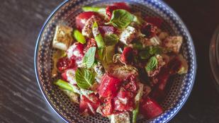 Gránátalmás őszi saláta - napon szárított sonkával lesz az igazi