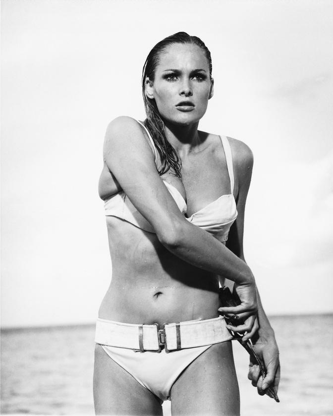 Az első Bond-lányként elhíresült Ursula Andress az 1962-es Dr