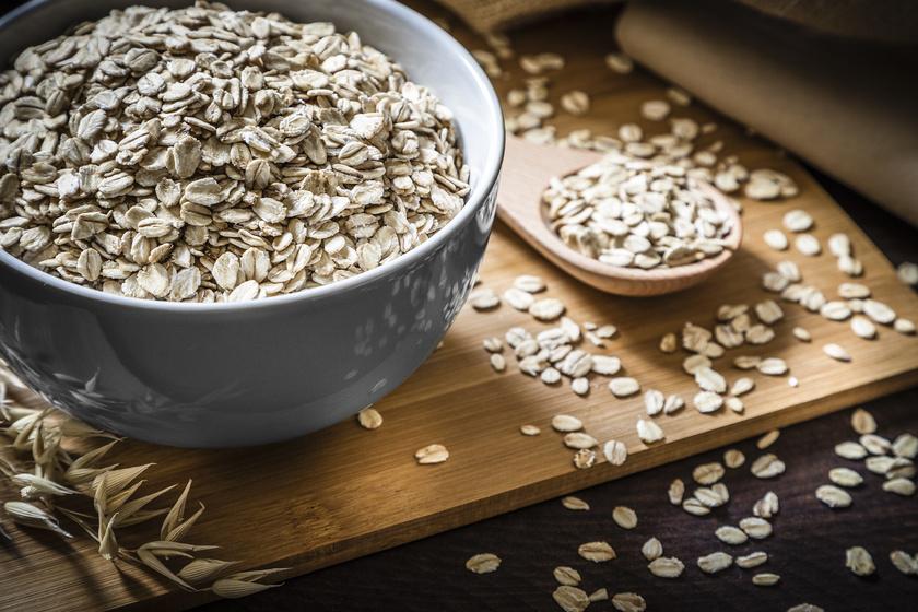 Segíti a fogyást, laktat, és kisöpri a bélrendszert: 7 egyszerű zabos recept, amit építs be az étrendedbe