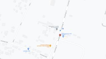 Fának ütközött egy autó a III. kerületben, a sofőr a helyszínen meghalt