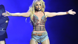 Britney Spears anyaszült meztelen képei photoshoppoltak?