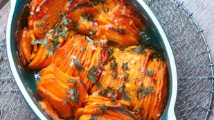 Ez az édesburgonya-casserole vörös cheddar szósszal a legfinomabb