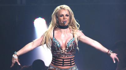 Britney Spears meztelenül ünnepli, hogy megszabadult az apjától