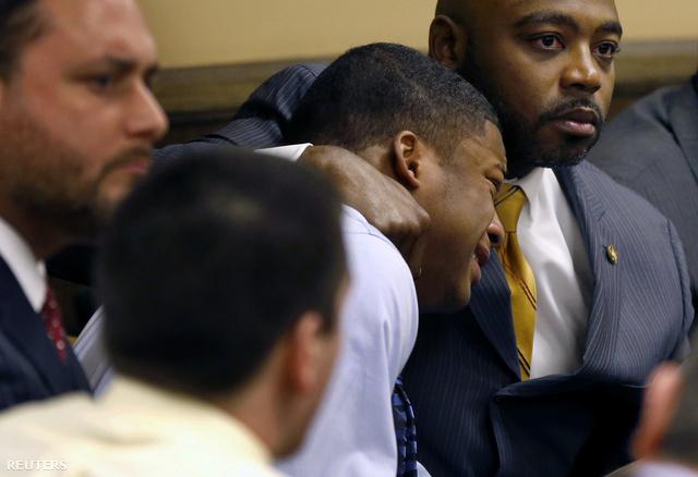 Richmond sír a bíróságon