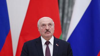 A CNN a törött csontokról és a kivert fogakról kérdezte Lukasenkát
