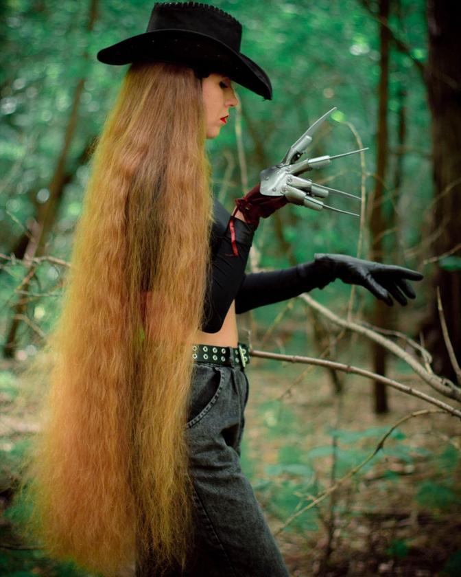 Mazanik azt mondja, többen is jelezték már felé, hogy csak azért kezdték el növeszteni és ápolni a hajukat, mert elirigyelték tőle