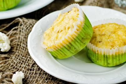 Puha karfiolmuffin rengeteg sajttal a tésztájában: alig kell hozzá valami