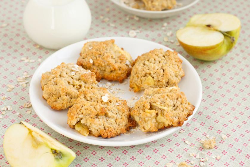 Ragacsos, szaftos almás-zabpelyhes keksz gluténmentesen: napokig nem szárad ki