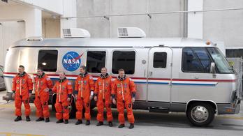Új űrhajósszállítót keres a NASA