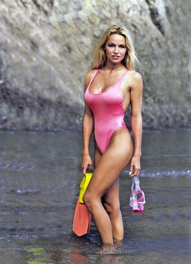 Bár Pamela Anderson egyik ismertetőjele a szilikonmelle volt, a színésznő 1999-ben úgy döntött, megválik tőlük