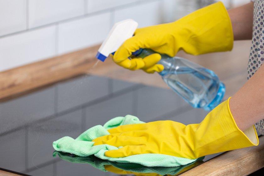 Így tisztítsd meg a kerámia főzőlapot – A természetes módszerek is működnek