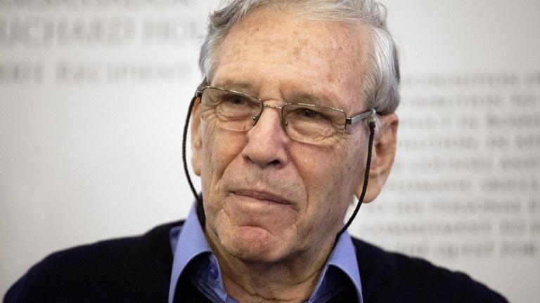Halott író Nobel-díjára is lehetett fogadni az angoloknál