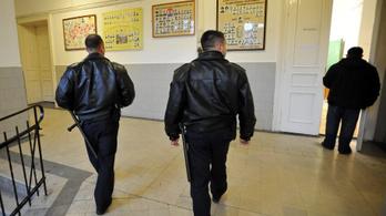 Főleg oda vezényelték a magyarországi iskolaőröket, ahol a diákok többsége roma