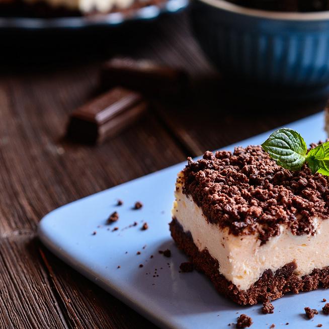 Reszelt túrós süti a nagyi receptje szerint: az omlós tészta közt bőséges töltelék terül el