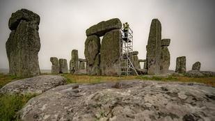 4500 év után restaurálják a Stonehenge-t