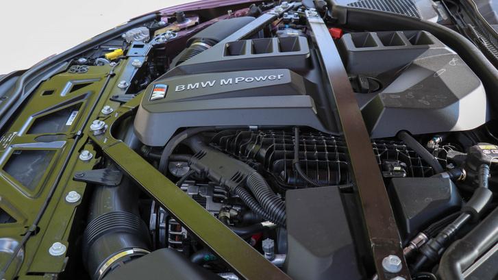 510 lóerő és 650 Nm jön ki a 3,0 literes, két turbófeltöltős sorhatból