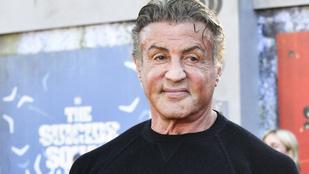 Sylvester Stallone terrorban tartja lányai udvarlóit, szakítós sms-eket is ír