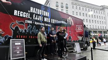 Nem állhat meg a Gyurcsánykamion Szegeden, a CÖF diktatúrát emleget