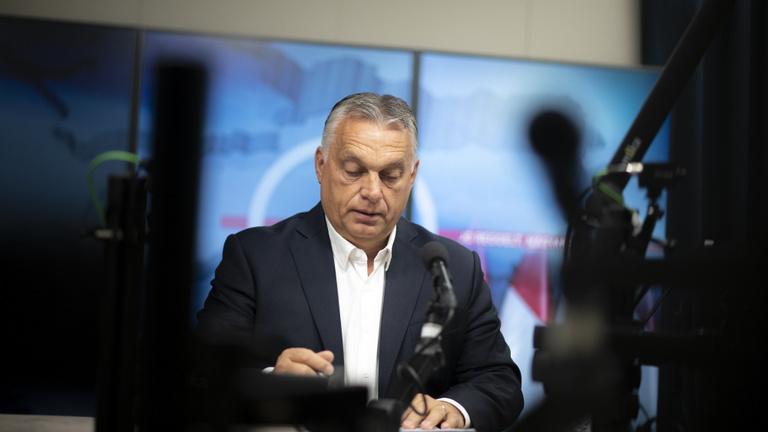 Orbán Viktor: Nyugat-Európában kitört a pánik
