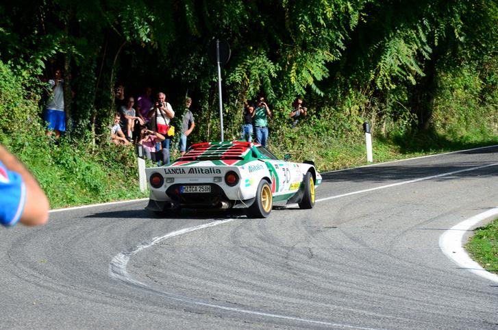 El nem tudom képzelni, milyen lehetett, amikor a Ferrari V6-tal épített Stratos még élesben ment