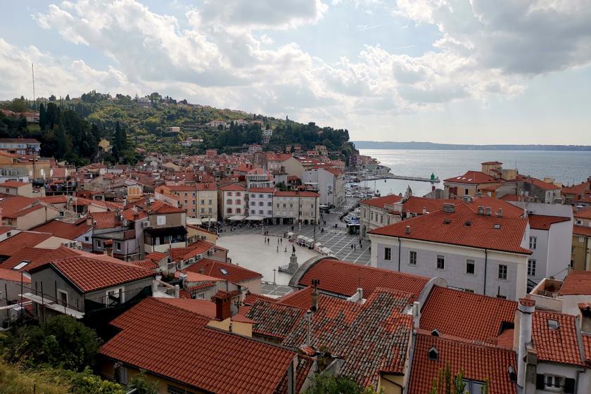 Ősszel igazán csodás a vidék: kevés turista, mediterrán utcácskák és napsütés vár Szlovénia tengerparti városaiban