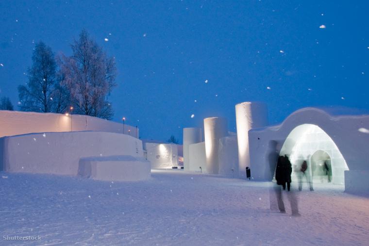 A Hókastély Resort 2022-ben nyitja meg ismét kapuit. Az ott található látványosságok és jégbár addig is látogathatók.