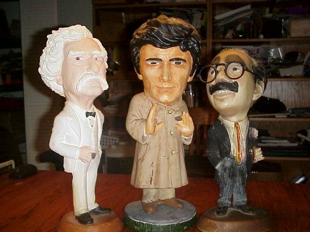A kevés, interneten fellelhető Columbo-szobrocskák egyike
