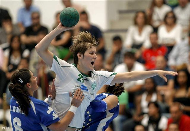 Tomori Zsuzsanna a Mar Alicante elleni meccsen, 2011 májusában