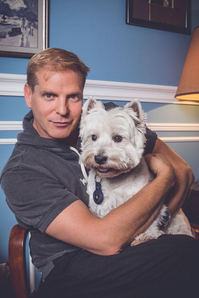 Négy híresség vette ölbe imádott kutyáját, hogy a 2021-es JOY Social Media Awardra készülve, friss fotókon örökítsék meg közös életük jellemző pillanatát