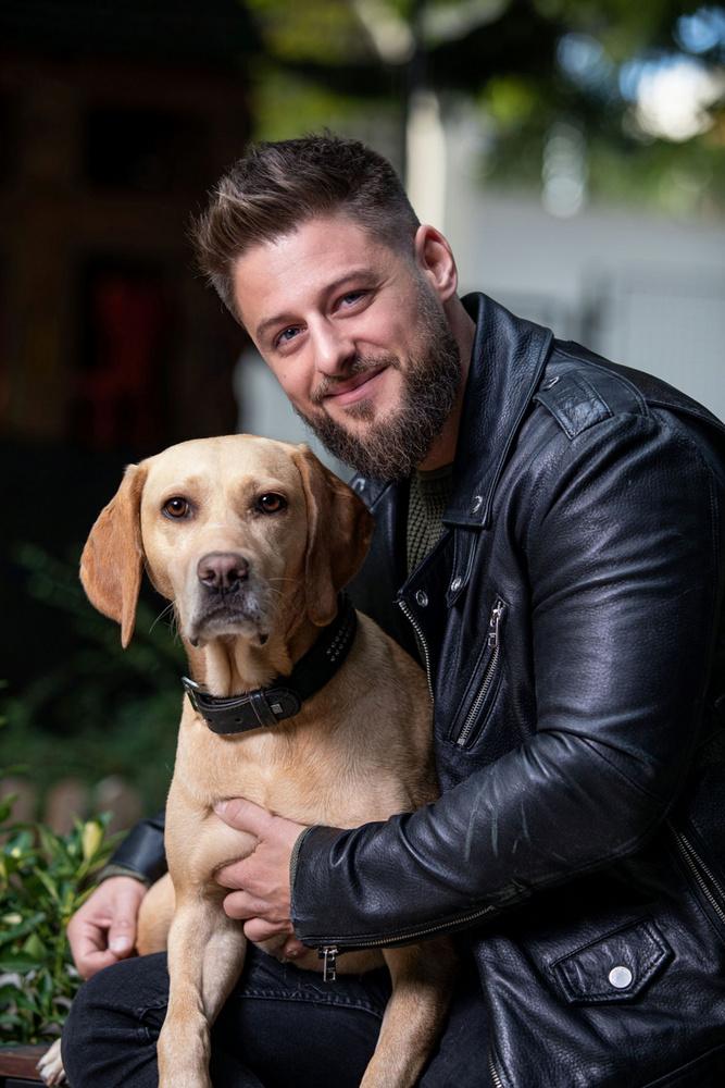 Baronits Gábor immár két éve büszke kutyatulajdonos.Harminc éves koromra értem meg arra, hogy felelős kutyapapa legyek, és nem túlzás azt állítani, hogy Lili egy igazi társ, akivel nem bánok másképp, csak azért, mert négylábon jár
