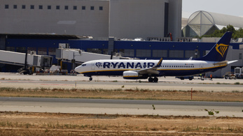 Két babával ragadt Mallorcán egy magyar család, a Ryanair nem segített