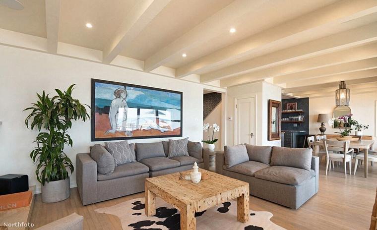 DiCaprio végül is megengedheti magának, hogy több fényűző rezidenciája is legyen: az idén decemberben megjelenő Ne nézz fel! című filmért ugyanis úgy tudni, milliókat kapott