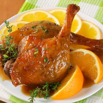 Mennyei, ropogós bőrű narancsos kacsa: fényes máz borítja az omlós húst