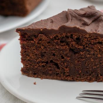 Elképesztően puha csokitorta céklával dúsítva – Még szaftosabb lesz a zöldségtől