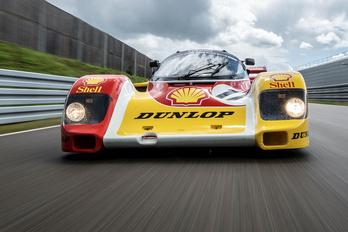 Olyan lett ez a Porsche 962-es, mint az új