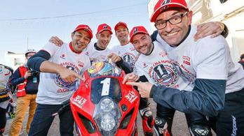 A Suzuki behúzta az Endurance-vébé aranyérmét