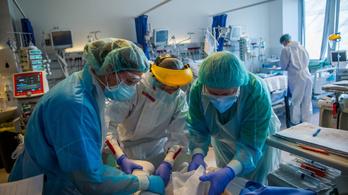 Több mint nyolcszáz új fertőzött, egyre többen vannak lélegeztetőgépen