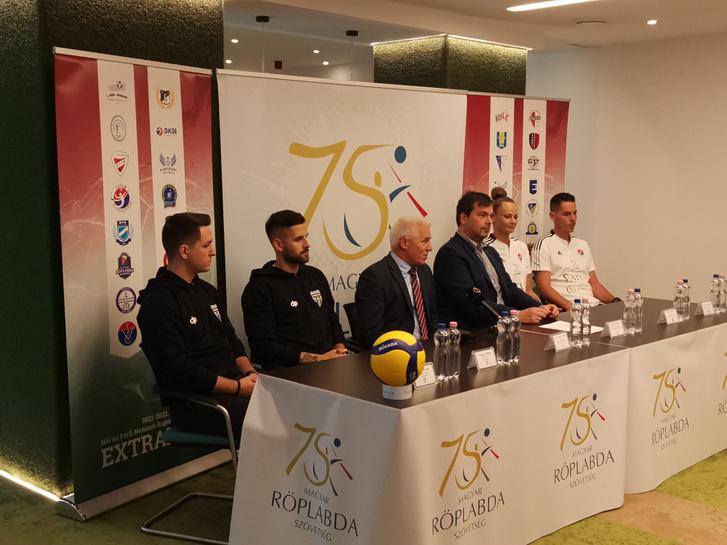 Molnár Patrik, Magyar Bálint, Kovács Ferenc, Nemcsik Balázs, Pintér Andrea és Németh Szabolcs (b-j)