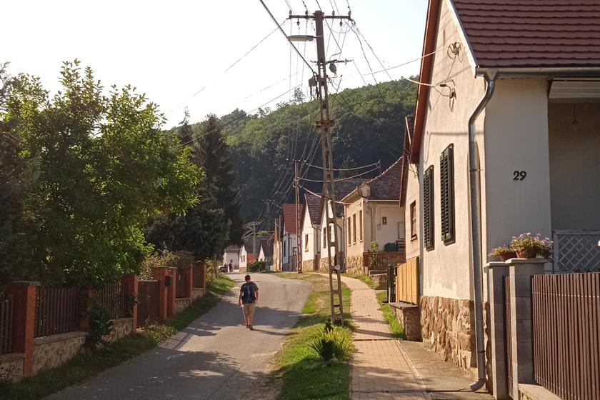 Mesébe illenének takaros utcáik: 8 gyönyörű sváb település itthon, ahol teljes béke és nyugalom vár