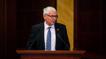 Benyújtották a törvényjavaslatot, Polt Pétert csak kétharmados többséggel lehetne leváltani