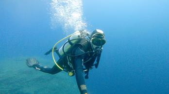Ez a rendszer tart életben a víz alatt