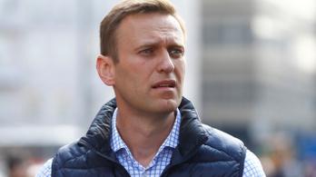 A járványügyi előírások megsértése címén korlátozták mozgásában Navalnij egyik orvosát