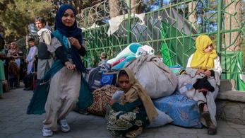 Tartózkodási engedélyt kaptak az afgán menekültek Magyarországon