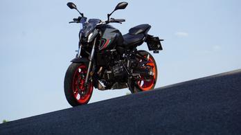 Teszt: Yamaha MT-07 - 2021.
