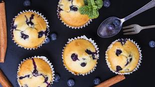Ezzel a trükkel nem fognak szétfolyni és lesüllyedni a bogyók a muffinok aljára