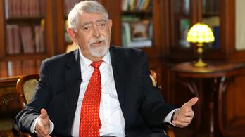Kásler Miklós megmondta, miért nem adják ki a kutatási részeredményeket a sejtes immunitásról